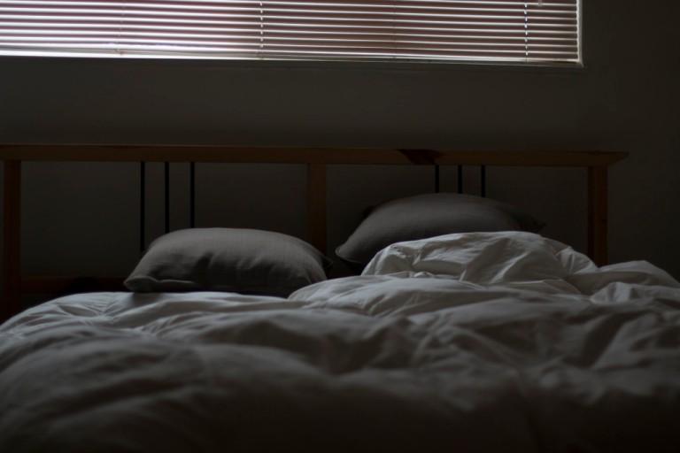 bed-1024x683