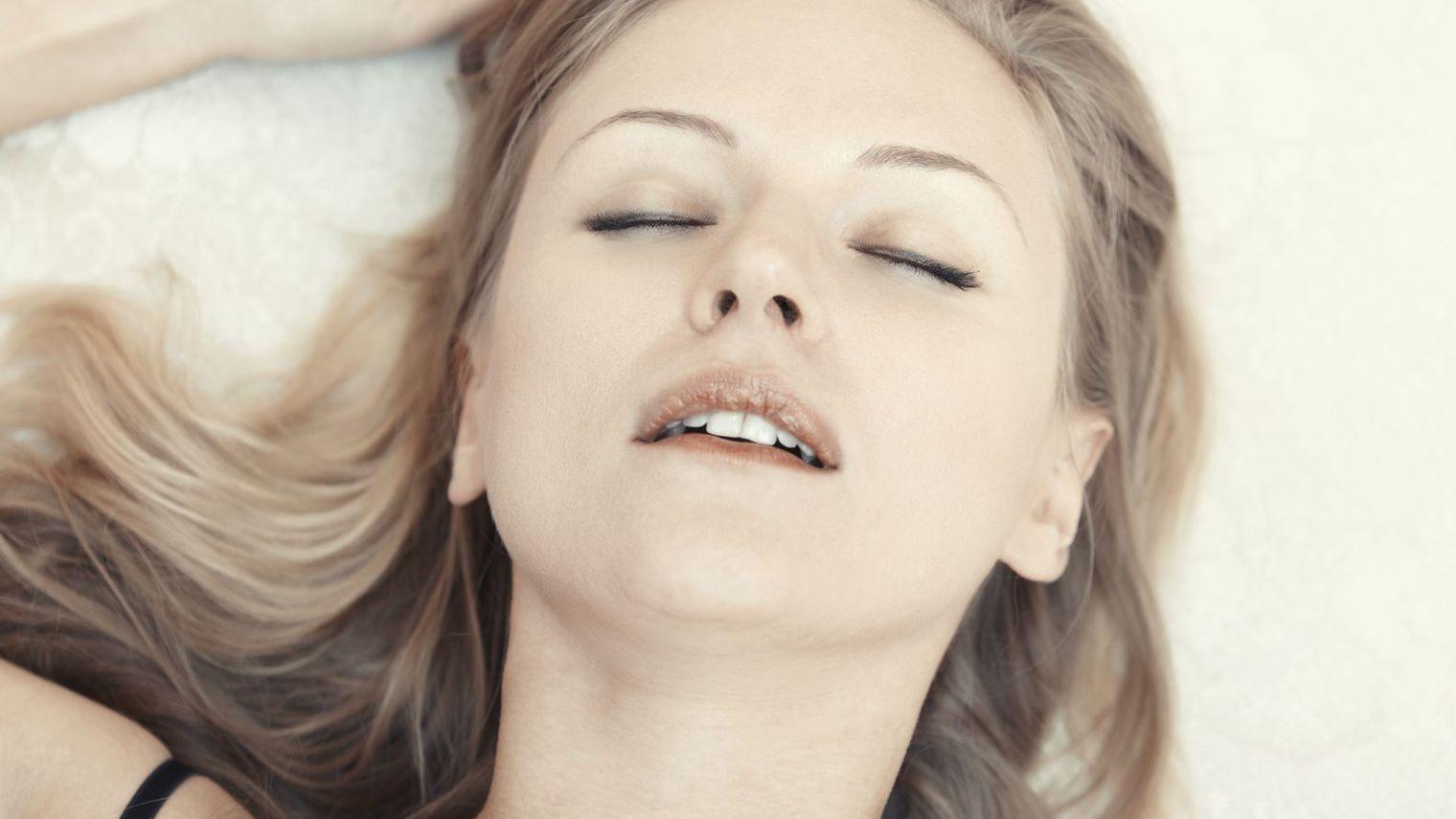 Смотреть доведение до оргазма, Оргазм порно, смотреть женские Оргазмы с судорогами 24 фотография
